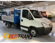 Iveco Daily 35C15 basculante trilateral grúa Palfinger PL40